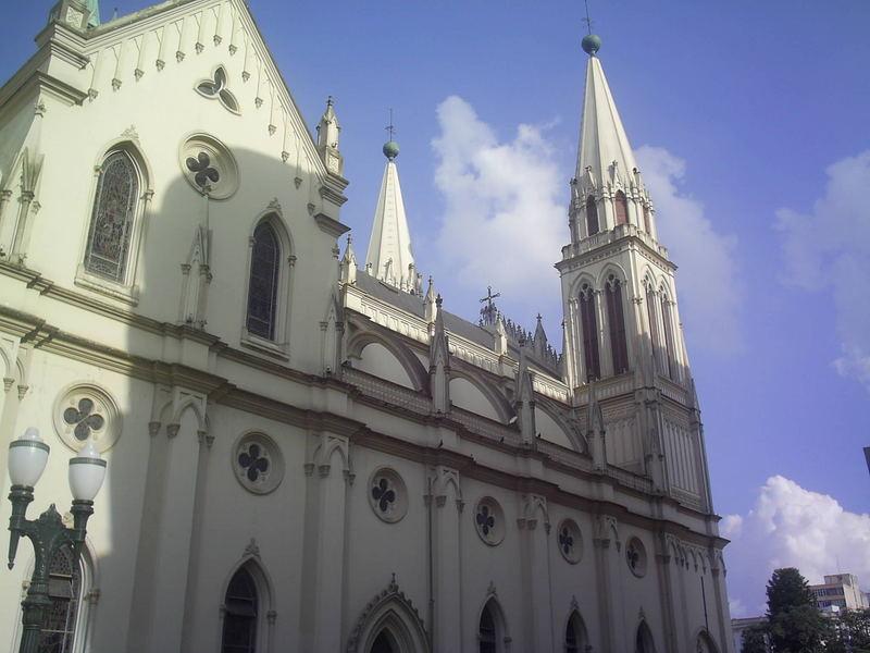 Lateral da Catedral Basílica Menor Nossa Sra. Da Luz dos Pinhais