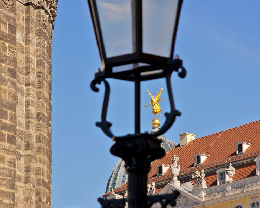 Laterne (9) - Der Engel und die Gaslaterne (II)