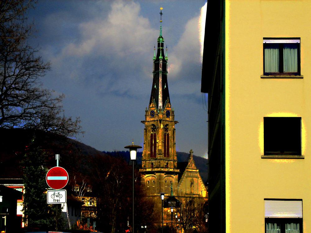 Laterne, Schild und Kirche.