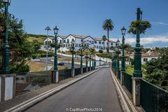 Laternen der Ponte de Sete Arcos im Zentrum von Nordeste