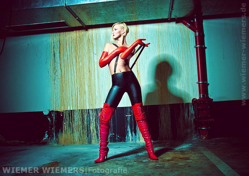 Latex Fetisch Fotografie mit Hensel Porty und Hensel
