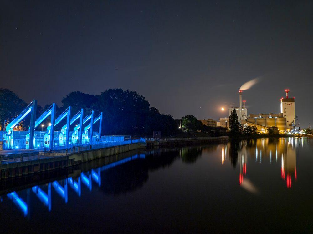 Laue Mondnacht im Hemelinger Hafen