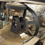 Laufendes Getriebe einer alten Wassermühle