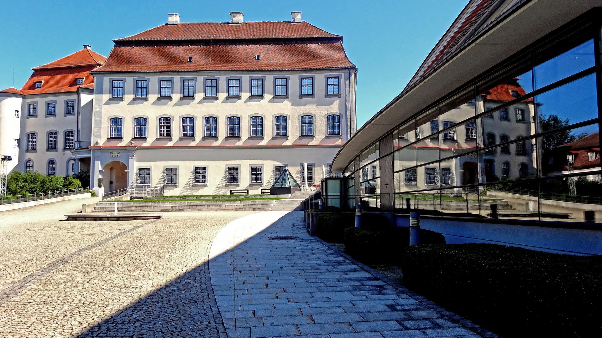 laupheim - schloss großlaupheim mit kulturhaus