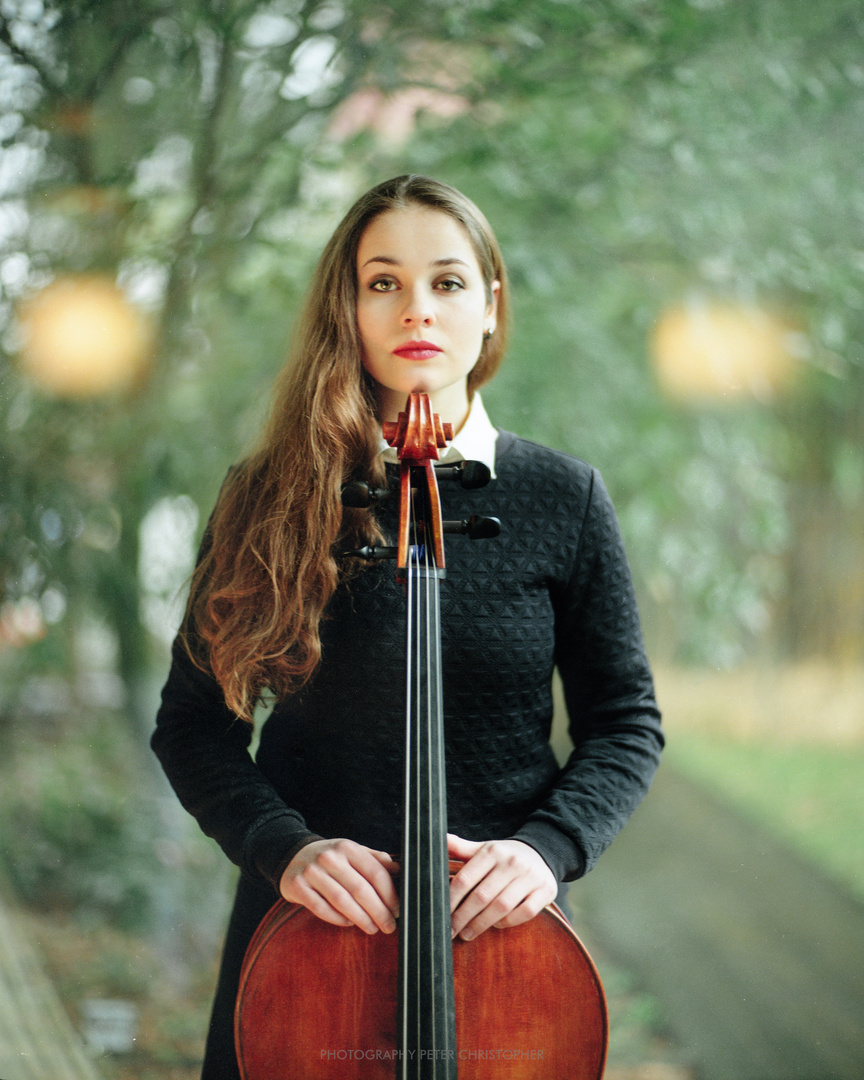 Laura Cellist