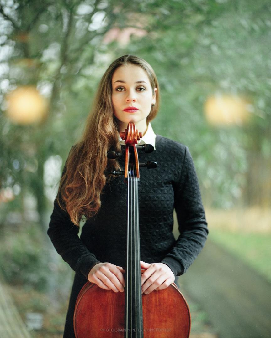 Laura Cellist
