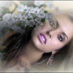 Laura con flores de Canan