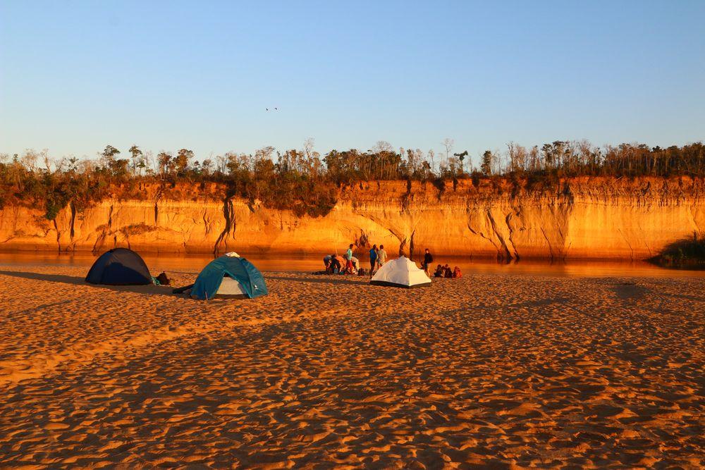 l'autre campement sur la Tsiribihina