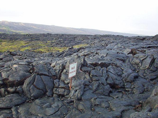 Lava, im Parkverbot stehend