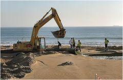 Lavori e più lavori.....sono 25 Km di spiaggie.
