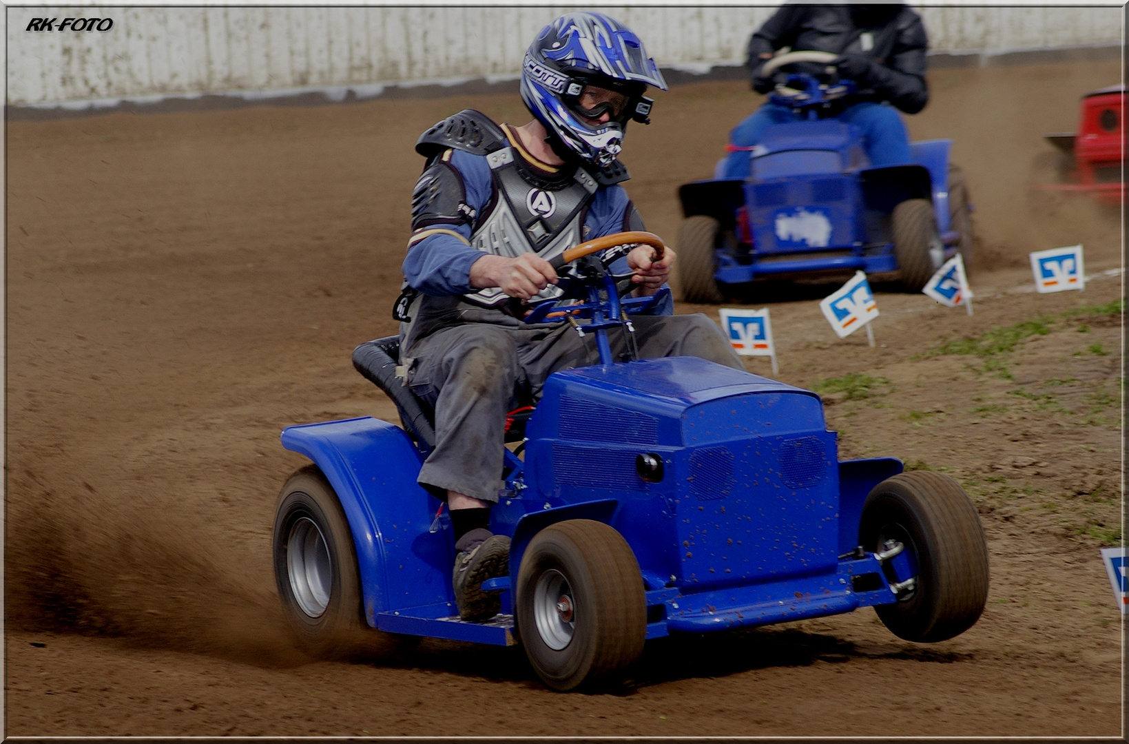 lawn-mover-racing