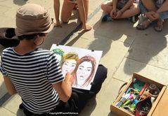 Le 3 bambine e l'artista di strada....