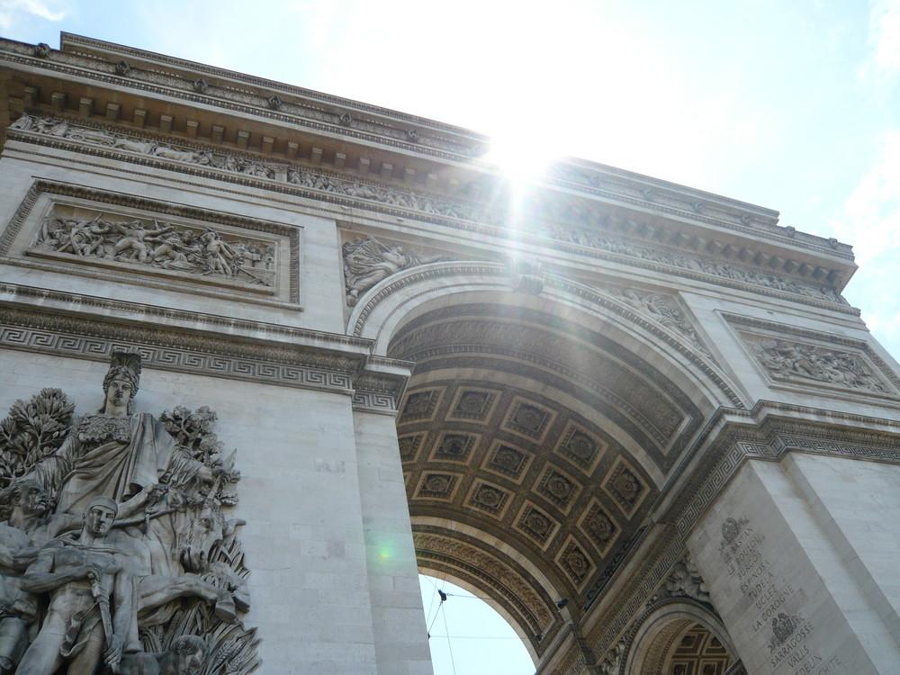 Le arc de Triomphe 'a Paris........