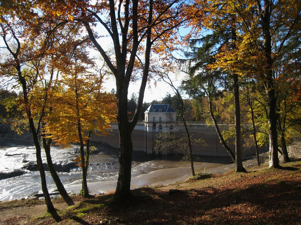 le barrage vidé