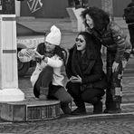 Le bonheur est sur les Champs-Elysées.