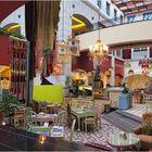 Le café d'un petit Mall à Dubaï