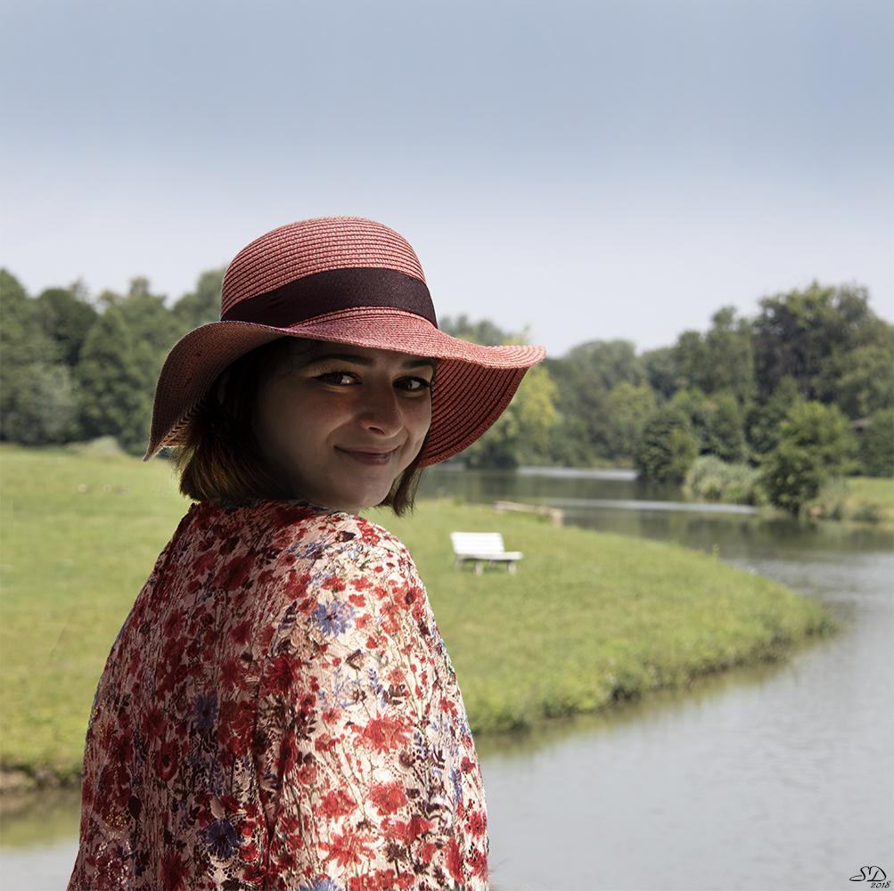 Le chapeau rouge de Clélie.