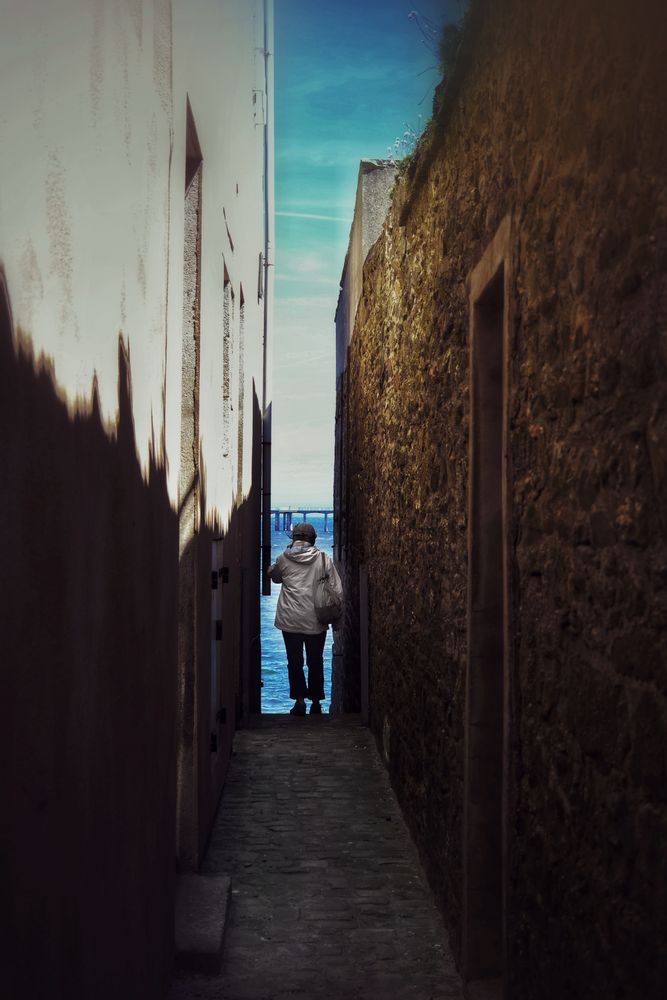 Le chemin (30) ..... cela se termine encore à la mer!