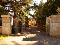 - Le Château de Neuvic ou le Château de Mellet -