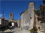 Le Château d'Harcourt (XIIIème) et la Collégiale Saint-Pierre (XIème)  --  Chauvigny