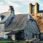 Le château médiéval d'Anjony dans le joli petit village de Tournemire