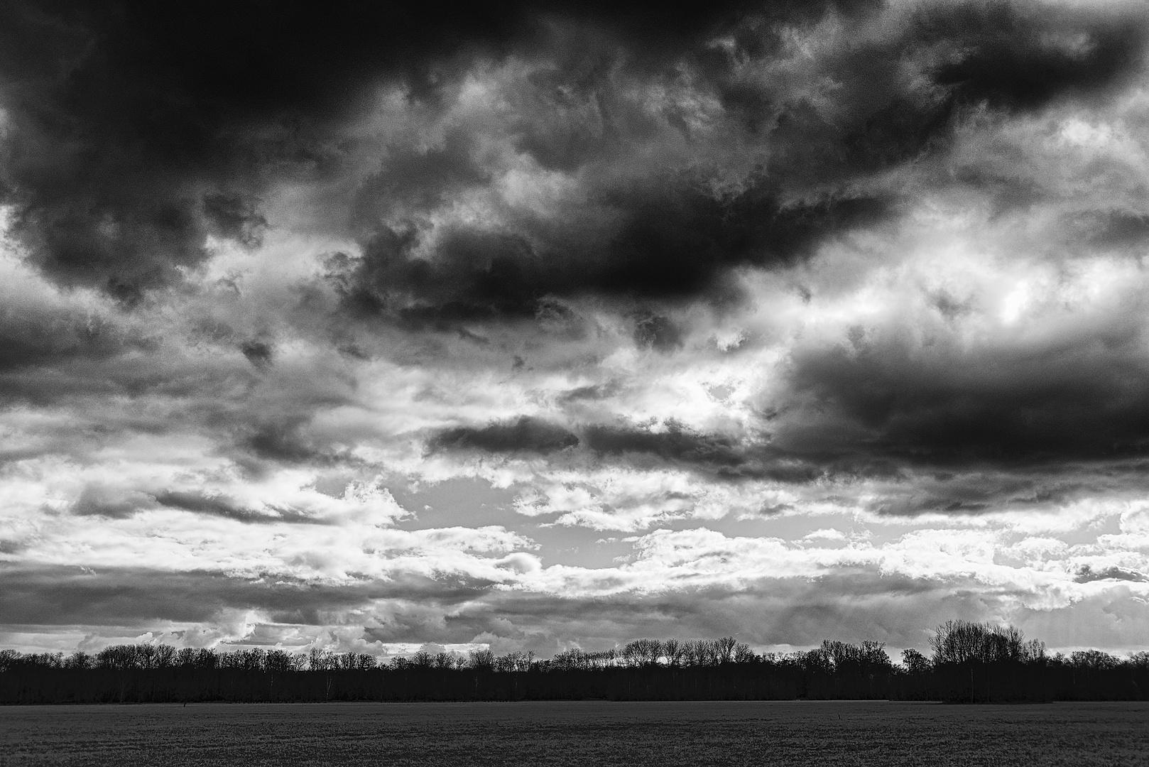 le ciel au-dessus de l'Illwald