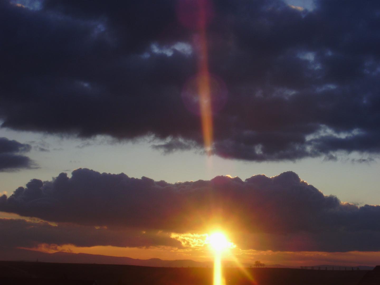 """""""Le ciel est un oeuf, la terre en est le jaune."""""""