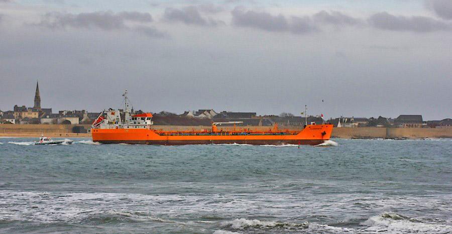Le Florence B repartant du port de marchandises de Lorient