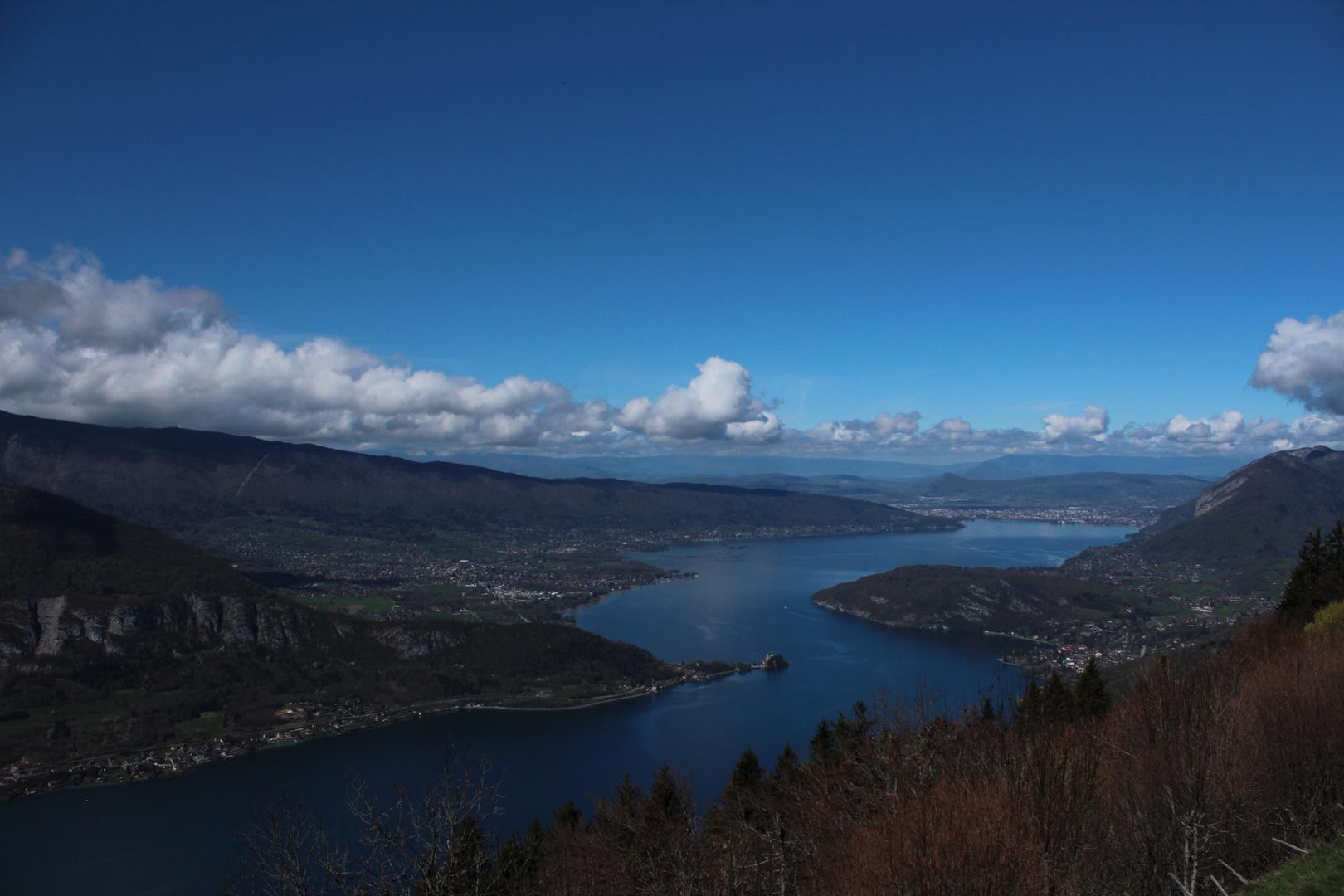 Le lac d'Annecy vue d'en haut