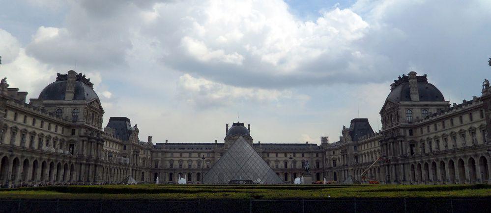 .... Le Louvre .....