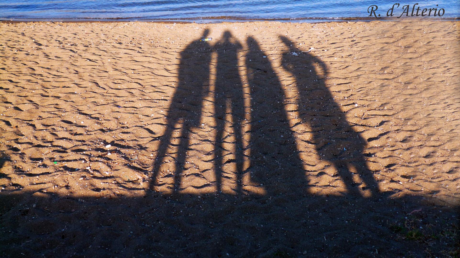 Le ombre lunghe del tramonto