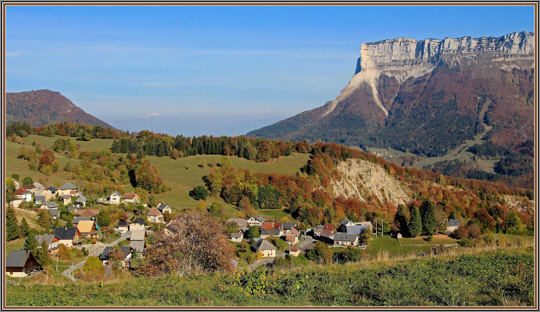 Le petit village au pied du Granier