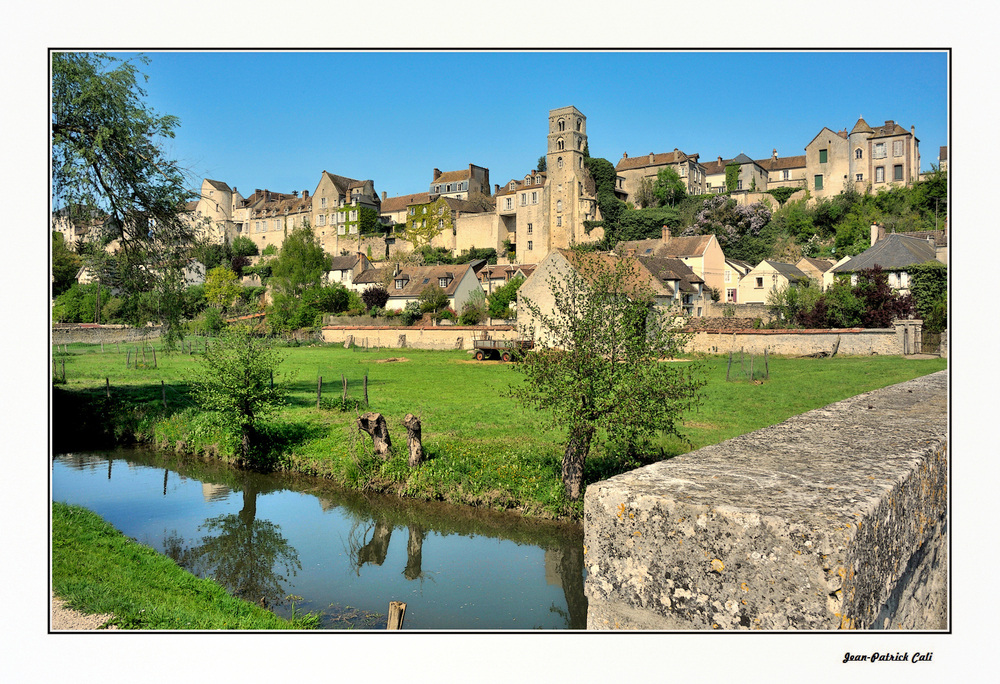 Le petit village de Château- Landon