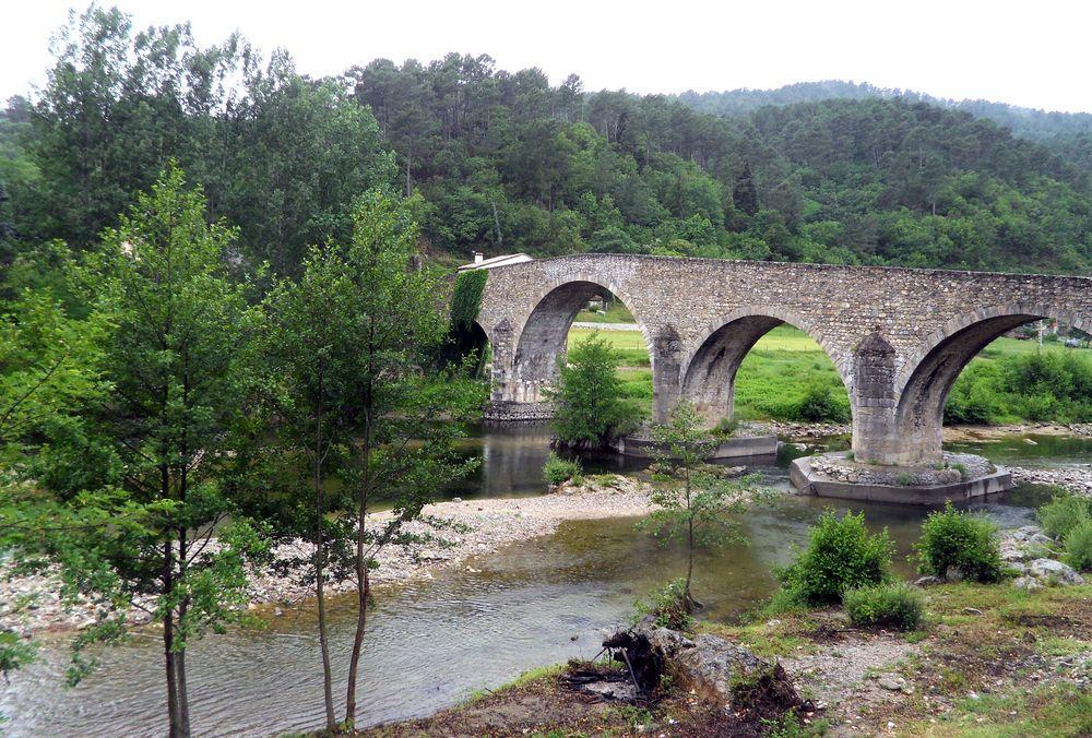 le Pont Vieux .....