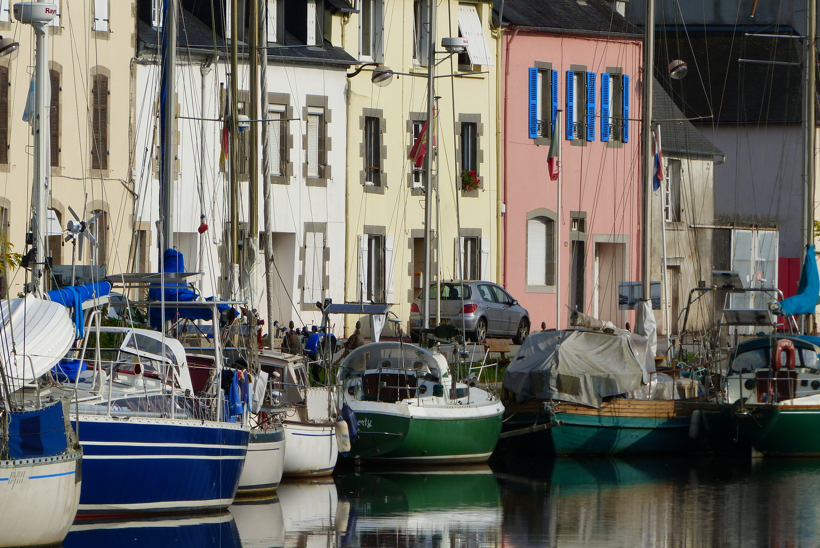 Le port de Port-Launay