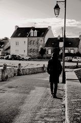 < Le promeneur solitaire >