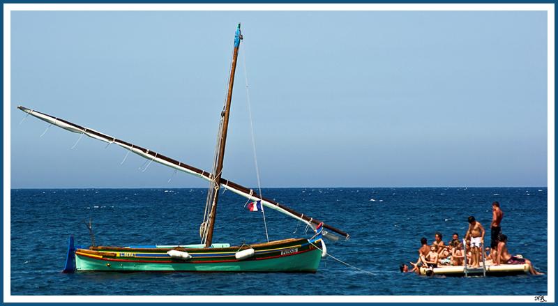 Le radeau et la barque catalane