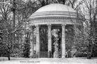 Le temple de l'Amour sous la neige