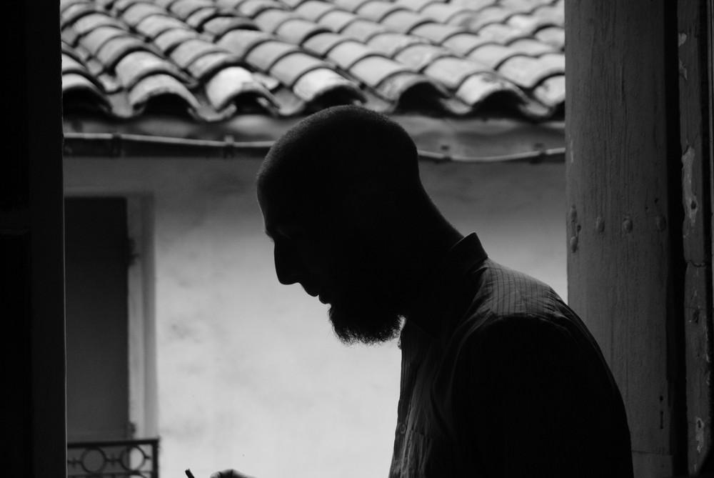 Le vielle homme et la fenêtre