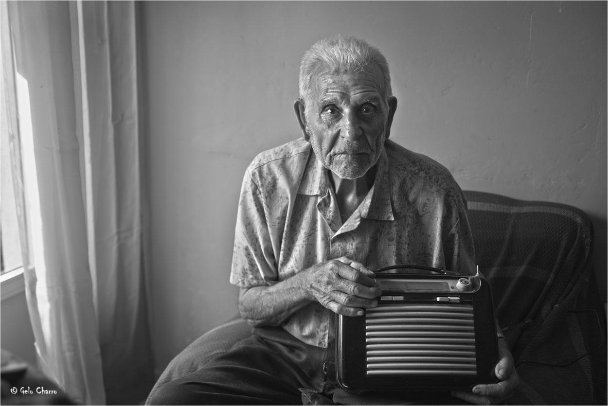 Leandro y su radio