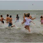 Lebensfreude ... Anschwimmen auf Borkum !