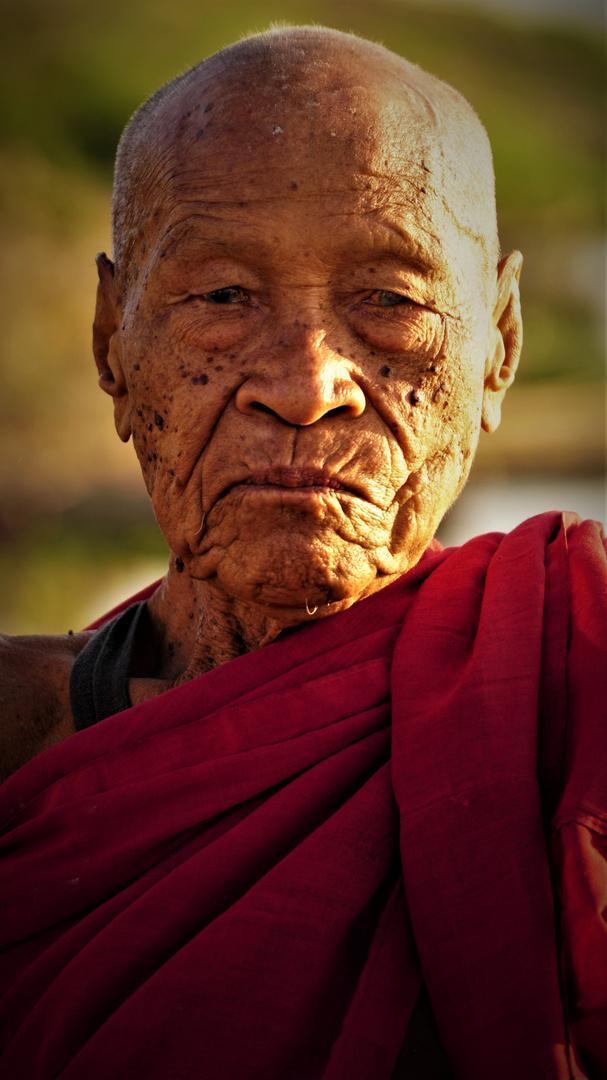 Lebenslinien - Buddhistischer Mönch in Myanmar
