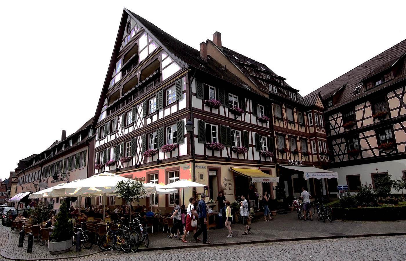 Lecker Eisessen in Gengenbach ...