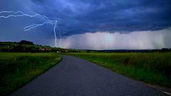 Électricité au bout de la route
