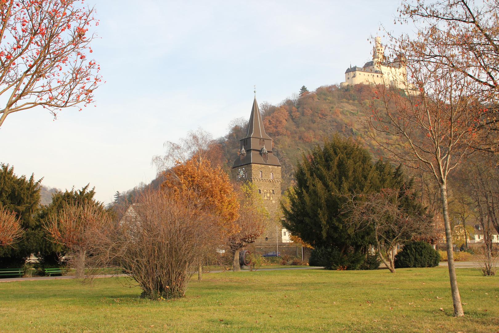 leicht trüber Tag am Rhein