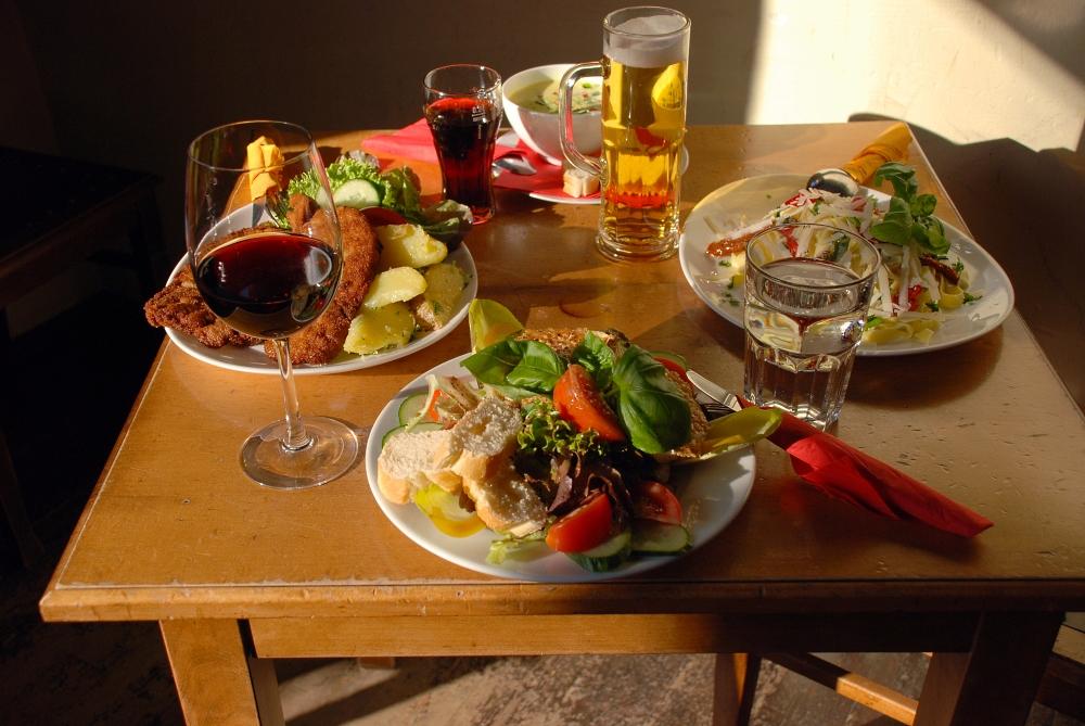 leidlich gedeckter tisch foto bild stillleben essen trinken tafeln bilder auf fotocommunity. Black Bedroom Furniture Sets. Home Design Ideas
