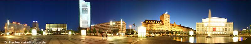 Leipzig: Augustusplatz bei Nacht