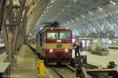 Leipzig Hbf, CNL 458, 371 003-5, März 2013
