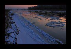 ...leises Zischen in der Stille... - Weser-Eisgang 2012...