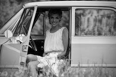 Lena und das Automobil